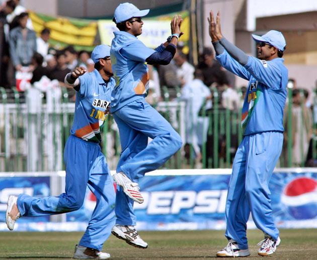 During Dravid's captaincy the Indian team broke the record for most consecutive ODIs won while batting second. For this 17-match run, Dravid was the captain for 15 matches and Sourav Ganguly was the captain for the other two.