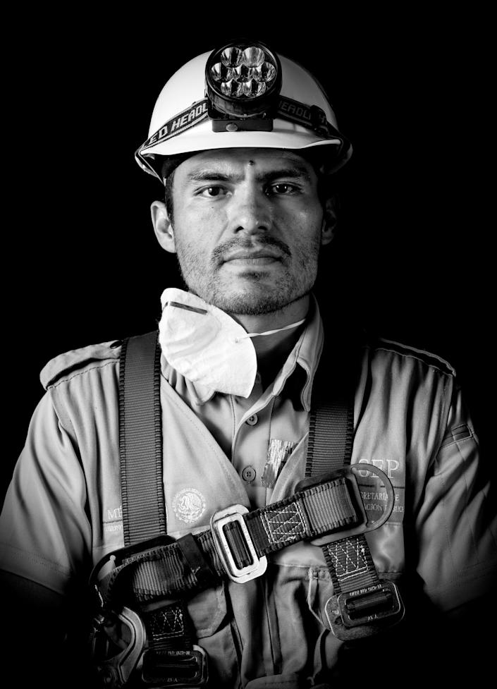 """<p>Alejandro Torres, a systems engineer who volunteered as a rescuer after the 7.1 earthquake that hit Mexico on Sept. 19, poses for pictures in Mexico City on Sept. 25, 2017.""""I don't see chaos. I see a lot people organized by the heart,"""" Torres said during the photo shoot. (Photo: Omar Torres/AFP/Getty Images) </p>"""