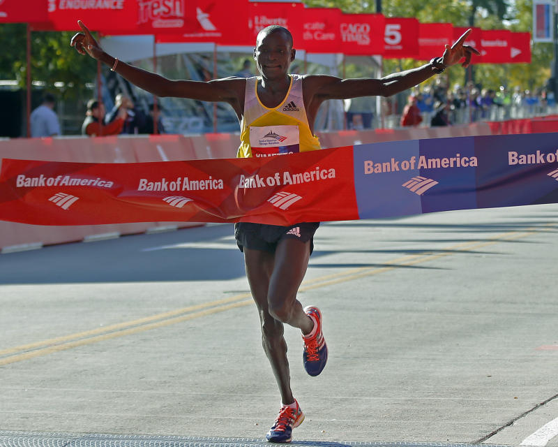 Kenyans Kimetto, Jeptoo win Chicago Marathon