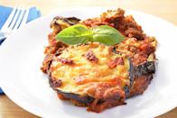 <p>Eggplant parmesan is a delicious main dish for a potluck party. If you've taken on the task of bringing an entrée to the potluck, you can ensure there's a healthy option for a main course. To make this dish lighter, lose the breadcrumbs and bake your eggplant rather than frying it. Your waistline and the guests will thank you. </p>