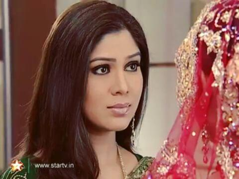 <p>We all saw it coming as the storyline of Kahani Ghar Ghar always ran parallel to that of Kyunki… It was only obvious for the series to take a decade long leap and add some years to its characters. Tina Parekh who played the grown up 'Shruti', Parvati's daughter, was almost the same age as Sakshi. </p>