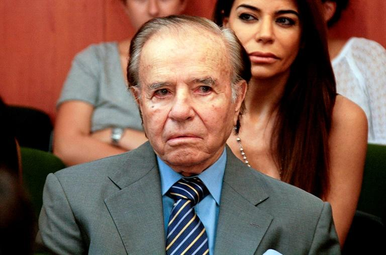 Argentina's former president (1989-1999) Carlos Menem sits during a hearing on the trial on embezzlement during his term of office, on March 2, 2015 in Buenos Aires