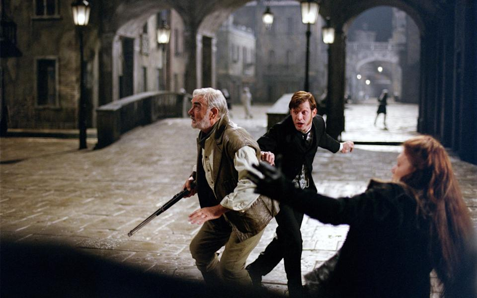 Sean Connery and Jason Flemyng in The League of Extraordinary Gentlemen