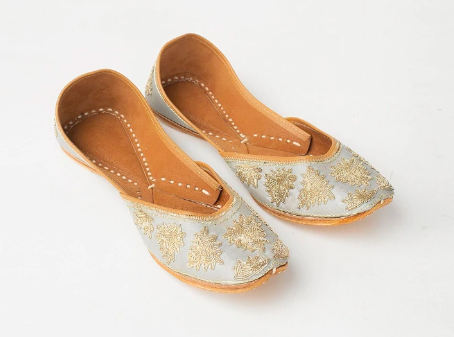"""<a href=""""https://fave.co/2NHeTWM"""">BUY HERE</a> Pastel-coloured leather embroidered jutties, from Fabindia, for Rs. 2,290"""