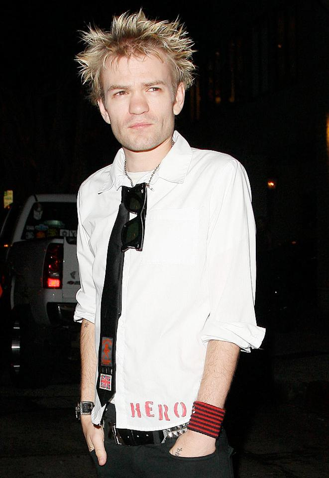 "While Avril Lavigne's hubby, Deryck Whibley, showed up with a scowl on his face. AlphaX/<a href=""http://www.x17online.com"" target=""new"">X17 Online</a> - June 18, 2009"