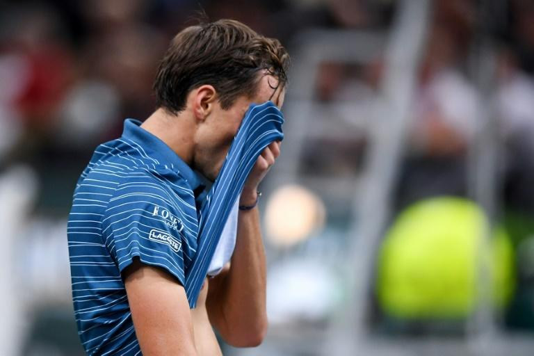 Federer withdraws from Paris Masters