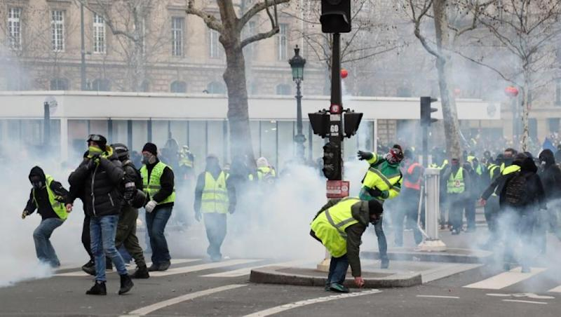French inquiry opened over police assault of protester