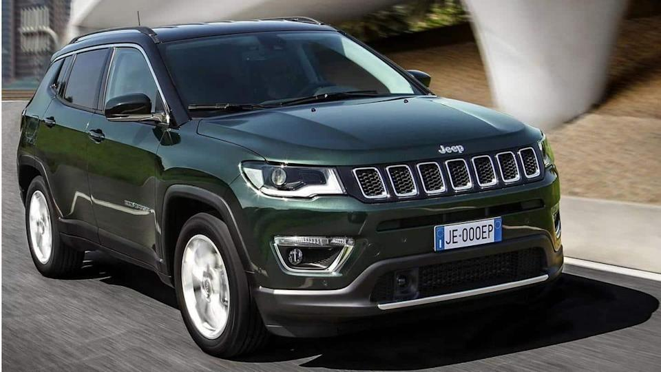Jeep Compass (facelift) reaches dealerships in India