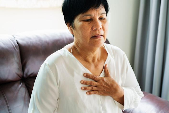 """<p>A <a href=""""https://www.prevention.com/health/a34040590/chest-pain-coronavirus-covid-19-symptom/"""" rel=""""nofollow noopener"""" target=""""_blank"""" data-ylk=""""slk:pain in your chest"""" class=""""link rapid-noclick-resp"""">pain in your chest</a> may make you think <a href=""""https://www.prevention.com/health/a31002938/silent-heart-attack-symptoms/"""" rel=""""nofollow noopener"""" target=""""_blank"""" data-ylk=""""slk:heart attack"""" class=""""link rapid-noclick-resp"""">heart attack</a>, but it could be a pulmonary embolism. """"Both a PE and a heart attack share similar symptoms,"""" says Dr. Navarro. However, PE pain tends to be sharp and stabbing, and feels worst when you take a deep breath. </p><p><a href=""""https://www.prevention.com/health/health-conditions/g26112313/heart-attack-symptoms-women/"""" rel=""""nofollow noopener"""" target=""""_blank"""" data-ylk=""""slk:Heart attack pain"""" class=""""link rapid-noclick-resp"""">Heart attack pain</a> often radiates from upper areas of your body like your shoulders, jaw, or neck. The biggest clue is in your breathing—PE pain gets steadily worse with every breath you take. Either way, you need help immediately, so call 911. </p>"""