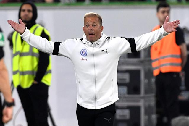 Soccer Football - Bundesliga Promotion/Relegation Playoff First leg - VfL Wolfsburg v Holstein Kiel - Volkswagen Arena, Wolfsburg, Germany - May 17, 2018 Holstein Kiel coach Markus Anfang REUTERS/Fabian Bimmer DFL RULES TO LIMIT THE ONLINE USAGE DURING MATCH TIME TO 15 PICTURES PER GAME. IMAGE SEQUENCES TO SIMULATE VIDEO IS NOT ALLOWED AT ANY TIME. FOR FURTHER QUERIES PLEASE CONTACT DFL DIRECTLY AT + 49 69 650050