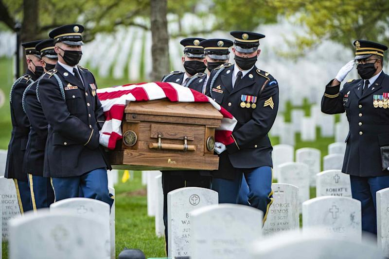 Arlington Cemetery Eases COVID Restrictions On Burial Honors