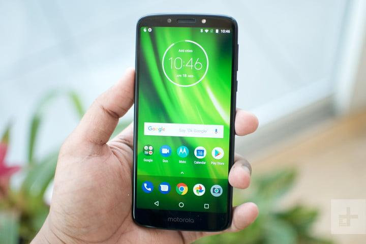 lenovo moto g6 vs play display