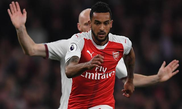 Arséne Wenger defends Theo Walcott's captaincy qualities for Arsenal