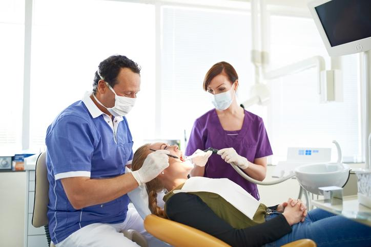 Evitar ir al dentista puede afectar tu salud bucal ¡y general! - Foto: Musketeer/Getty Images