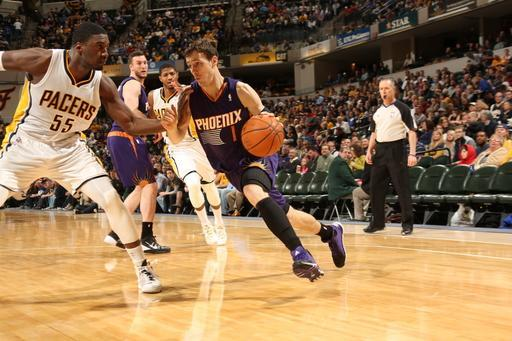 INDIANAPOLIS - JANUARY 30: Goran Dragic #1 of the Phoenix Suns driving during a game against the Indiana Pacers at Bankers Life Fieldhouse on January 30, 2014 in Indianapolis, Indiana. (Photo by Ron Hoskins/NBAE via Getty Images)
