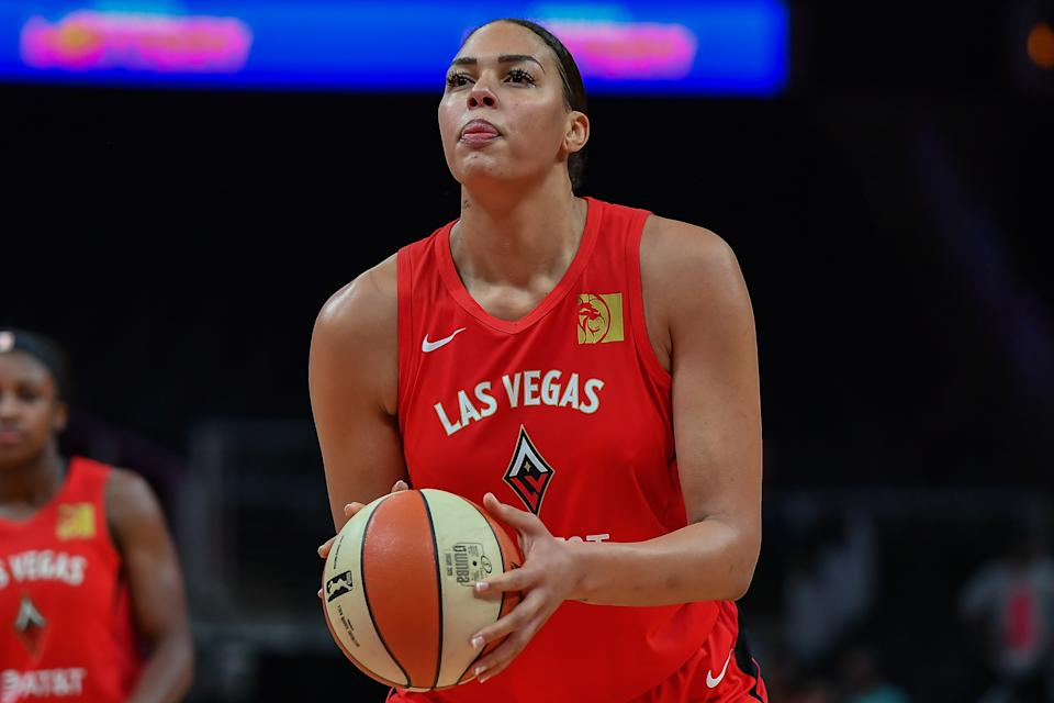 ATLANTA, GA  SEPTEMBER 05: Las Vegas' Liz Cambage (8) shoots a free throw during the WNBA game between the Las Vegas Aces and the Atlanta Dream on September 5th, 2019 at State Farm Arena in Atlanta, GA. (Photo by Rich von Biberstein/Icon Sportswire via Getty Images)