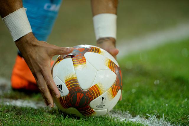 Soccer Football - Europa League Round of 16 Second Leg - Athletic Bilbao vs Olympique de Marseille - San Mames, Bilbao, Spain - March 15, 2018 General view of a Marseille player placing the ball for a corner kick REUTERS/Vincent West