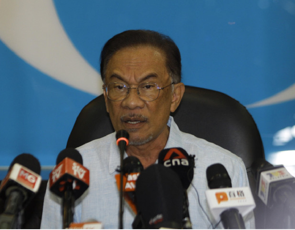 PKR president Datuk Seri Anwar Ibrahim speaks during a press conference in Petaling Jaya March 13, 2020. — Bernama pic