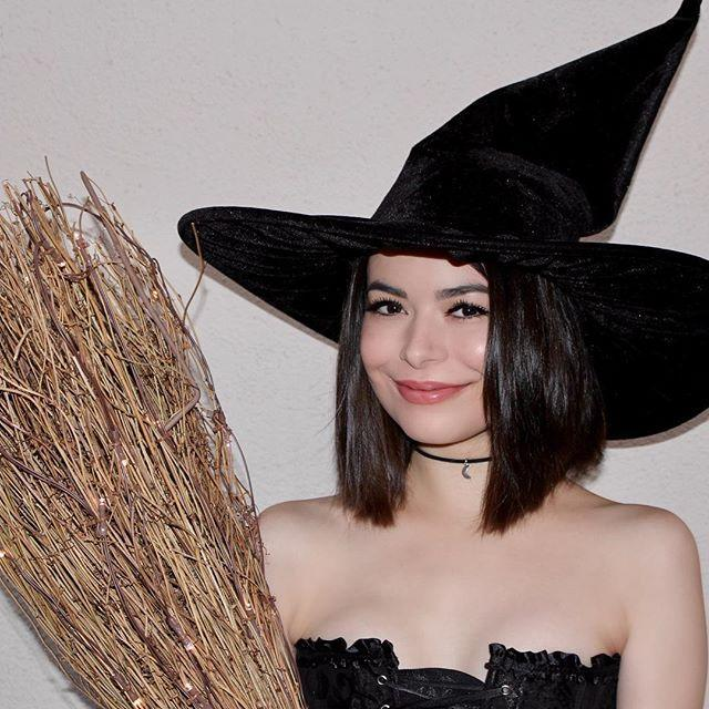 "<p>Miranda rocked this classic 'stume, proving that being a witch isn't lazy, it's iconic. </p><p><a href=""https://www.instagram.com/p/Ba2qJxAl8xo/?taken-by=mirandacosgrove"" rel=""nofollow noopener"" target=""_blank"" data-ylk=""slk:See the original post on Instagram"" class=""link rapid-noclick-resp"">See the original post on Instagram</a></p>"