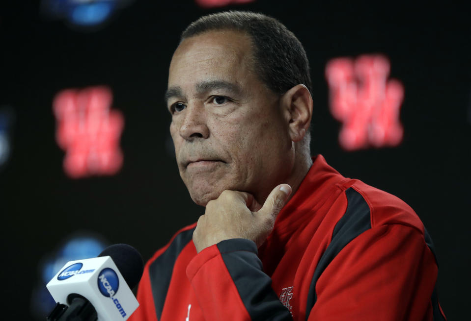 Houston head coach Kelvin Sampson