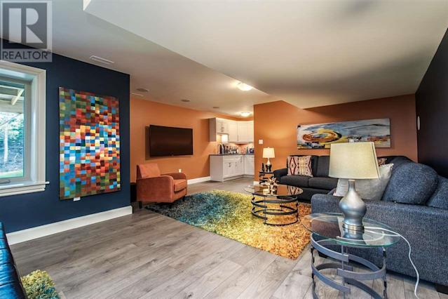 """<p><a href=""""https://www.zoocasa.com/bedford-ns-real-estate/5425692-41-weybridge-lane-bedford-ns-b4b0r9-201816297"""" rel=""""nofollow noopener"""" target=""""_blank"""" data-ylk=""""slk:41 Weybridge Lane, Bedford, N.S."""" class=""""link rapid-noclick-resp"""">41 Weybridge Lane, Bedford, N.S.</a><br> Other features of the home include a gym, home theatre, and elevator with four stops.<br> (Photo: Zoocasa) </p>"""