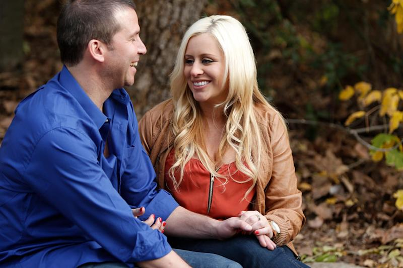 "This undated image released by WE TV shows pregnant Megan Aballi meeting a date at a park in a scene from ""Pregnant & Dating."" In a recent Associated Press-WE tv poll, 23 percent of men said they would consider starting a relationship with a woman who is pregnant. ""Pregnant & Dating"" airs on Fridays at 10 p.m. EST on WE TV. (AP Photo/WE TV)"