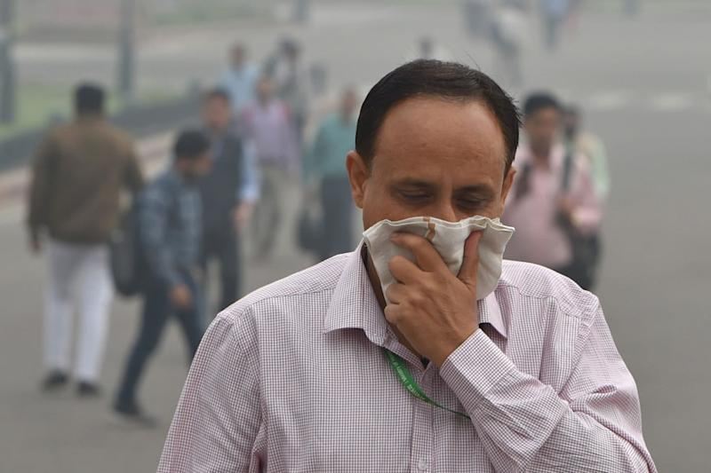 Air pollution contributing to 'significantly more' coronavirus deaths, study suggests