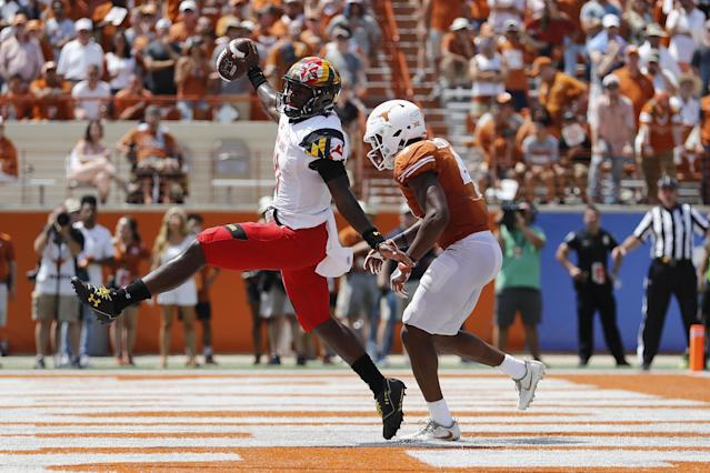 AUSTIN, TX – SEPTEMBER 02: Kasim Hill #11 of the Maryland Terrapins rushes for a touchdown past DeShon Elliott #4 of the Texas Longhorns in the fourth quarter at Darrell K Royal-Texas Memorial Stadium on September 2, 2017 in Austin, Texas. (Photo by Tim Warner/Getty Images)