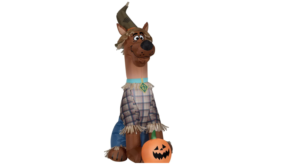 Will any trick-or-treaters be generous enough to give him some Scooby snacks? (Photo: The Home Depot)