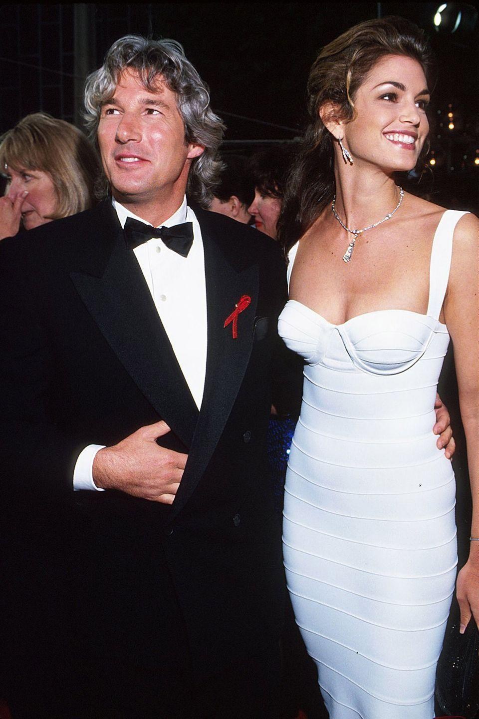 <p>What's a supermodel to wear to her first Academy Awards? A body-hugging Herve Leger dress to show off her enviable figure if you're Cindy Crawford. </p>
