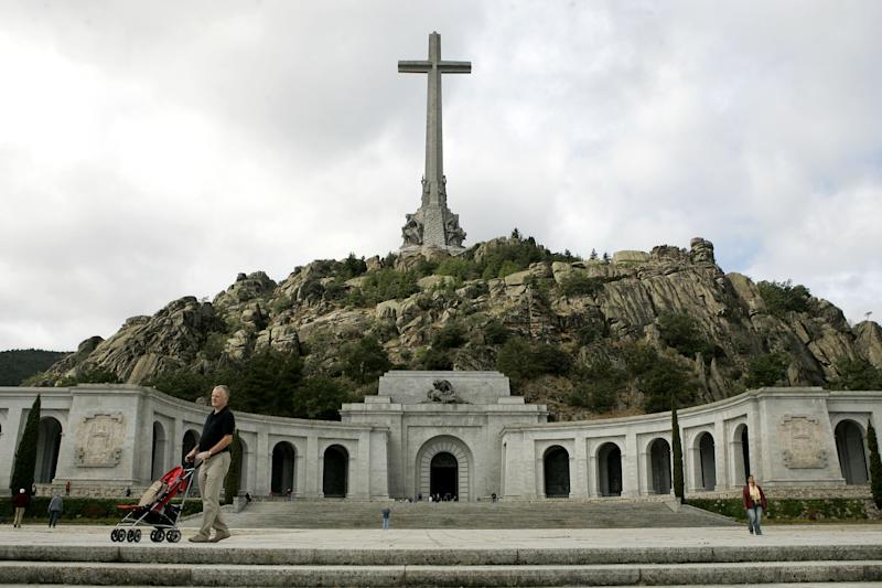 Tourists visit the Valle de los Caidos (Valley of the Fallen), in El Escorial, near Madrid, Spain Tuesday Sept. 3, 2006 (AP Photo/Paul White)