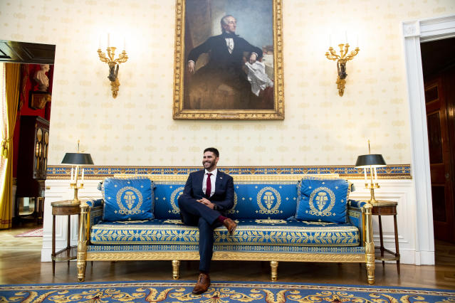 WASHINGTON, DC - MAY 9: J.D. Martinez #28 of the Boston Red Sox takes a tour during a visit to the White House in recognition of the 2018 World Series championship on May 9, 2019 in Washington, DC. (Photo by Billie Weiss/Boston Red Sox/Getty Images)