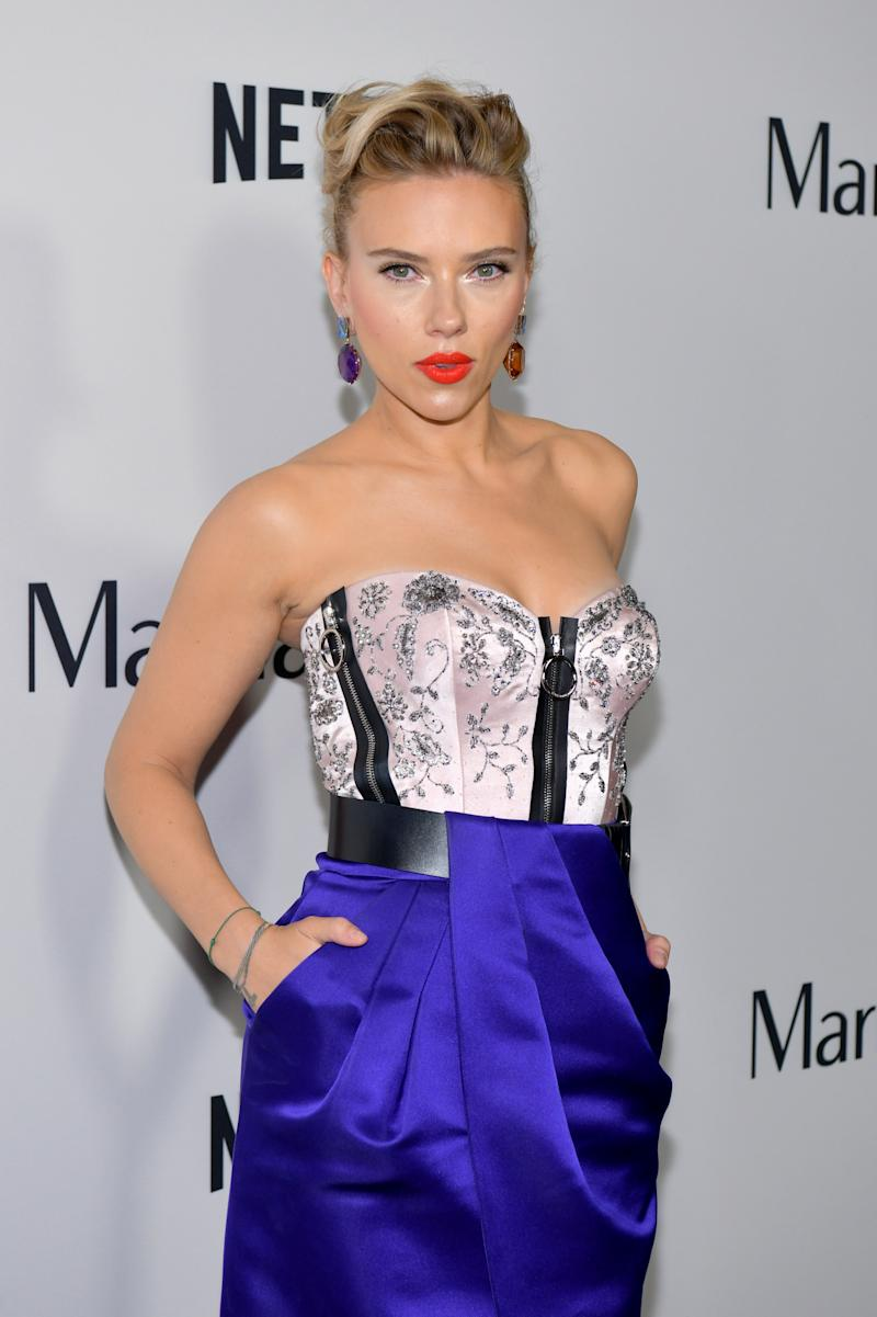 Scarlett Johansson's Latest Bold Makeup Look Is Primed for Holiday Party Season