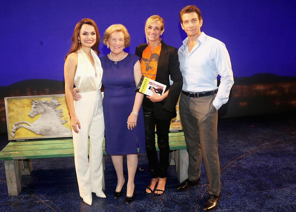 """Julia Roberts and Barbara Marshall with Samantha Barks (Vivian) and Andy Karl (Edward) backstage at a special performance of """"Pretty Woman: The Musical"""" honoring Garry Marshall at the Nederlander Theatre on Aug. 2, 2018 in New York City. (Photo: Bruce Glikas/Bruce Glikas/WireImage)"""