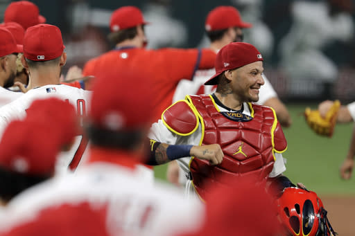 LEADING OFF: Cardinals emerge from long layoff in Chicago