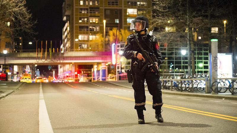 Oslo police detonate 'bomb-like device'