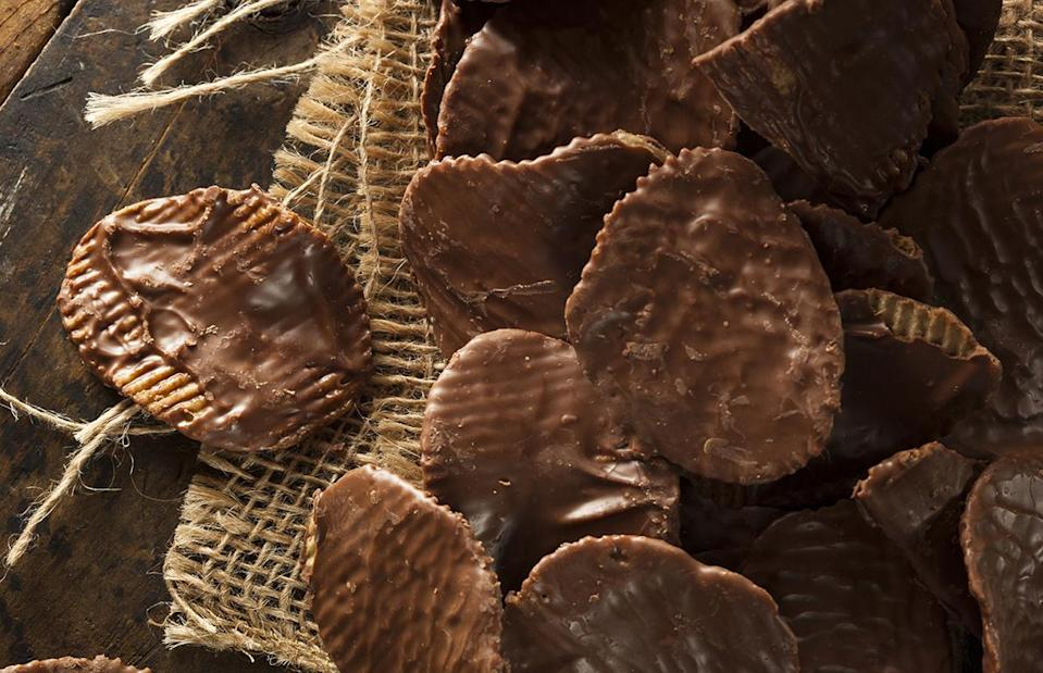 "<p>No, a chipper is not mulch; it's a chocolate-covered potato chip. Invented by the<a href=""https://www.thedailymeal.com/entertain/best-chocolate-shop-every-state-slideshow-photos?referrer=yahoo&category=beauty_food&include_utm=1&utm_medium=referral&utm_source=yahoo&utm_campaign=feed"" rel=""nofollow noopener"" target=""_blank"" data-ylk=""slk:best chocolate shop in North Dakota"" class=""link rapid-noclick-resp""> best chocolate shop in North Dakota</a>, Carol Widman's Candy, chippers are the perfect mix of sweet, salty, crunchy and creamy. It's an underrated treat in most of the country, but it's everywhere in<a href=""https://www.thedailymeal.com/best-food-drink-north-dakota-2018-slideshow?referrer=yahoo&category=beauty_food&include_utm=1&utm_medium=referral&utm_source=yahoo&utm_campaign=feed"" rel=""nofollow noopener"" target=""_blank"" data-ylk=""slk:North Dakota"" class=""link rapid-noclick-resp""> North Dakota</a>.</p>"