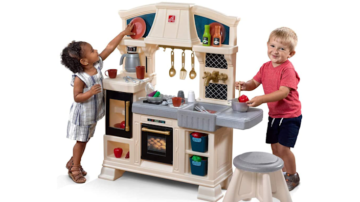 Best gifts and toys for 2-year-olds: Step2 Classic Chic Kitchen