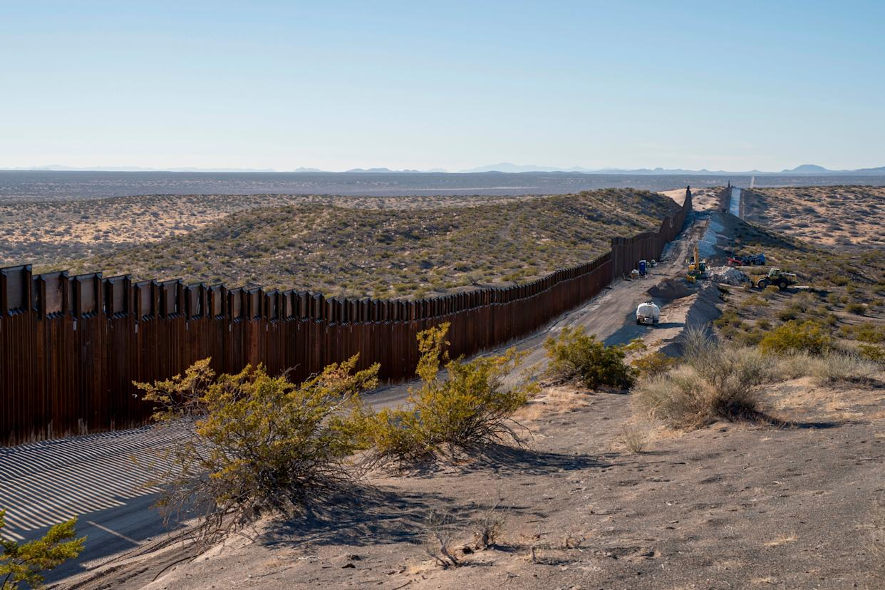 This month, Democratic and Republican congressional leaders alike were given assurances that President Donald Trump's demands for American taxpayer money to build his border wall would be postponed until the next congressional session. (Photo: PAUL RATJE via Getty Images)