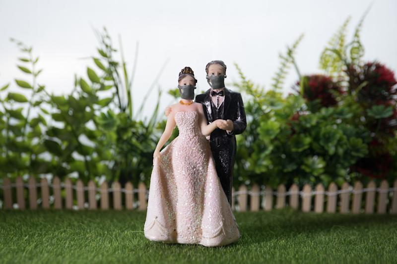 Focolaio dopo un matrimonio con 200 invitati. Scatta il mini-lockdown (Getty Images)