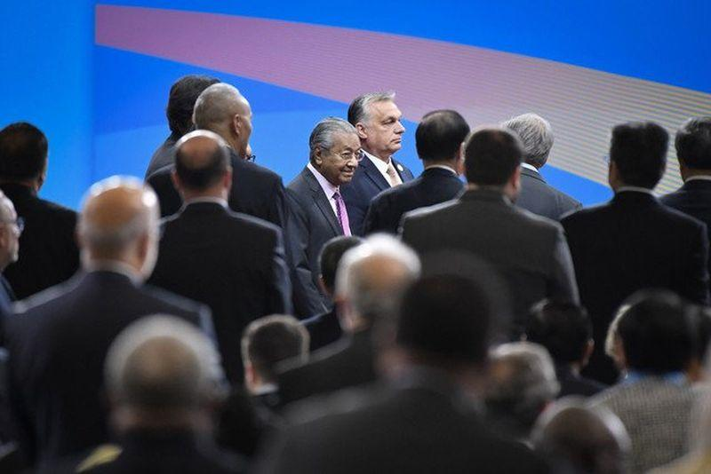 Mahathir urged world leaders to reject the use of force in order to benefit from the opening up of new passages for trade and freight that the Belt and Road initiative promises. ― Picture via Twitter