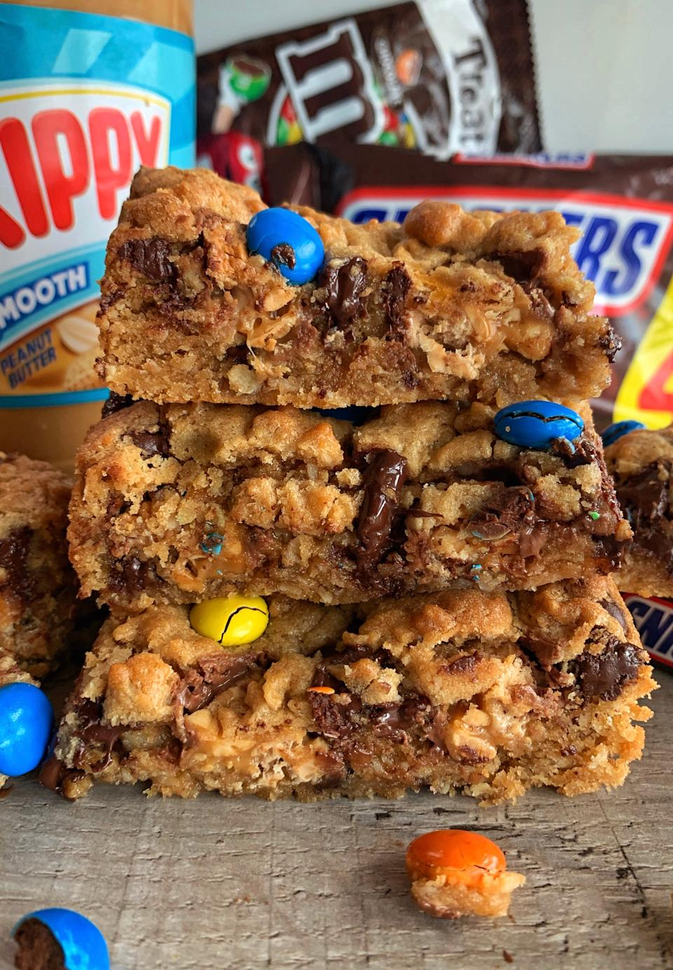 Snickers Cookie Bars