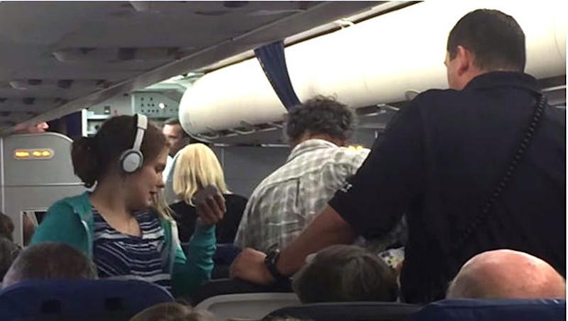 'Fear of autism' gets teen girl kicked off plane