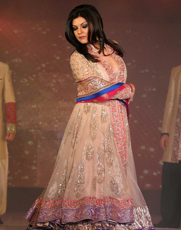 Sush walks the ramp