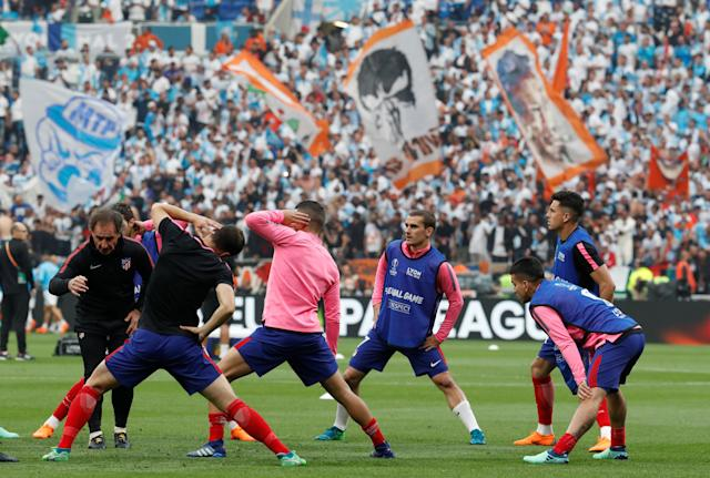 Soccer Football - Europa League Final - Olympique de Marseille vs Atletico Madrid - Groupama Stadium, Lyon, France - May 16, 2018 Atletico Madrid's Antoine Griezmann and team mates during the warm up before the match REUTERS/Christian Hartmann