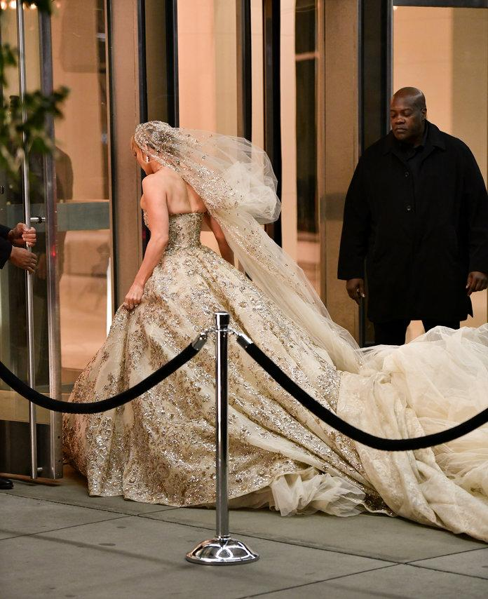 Jennifer Lopez Wedding Dress Photos: 'Marry Me' Movie Is On It's Way!