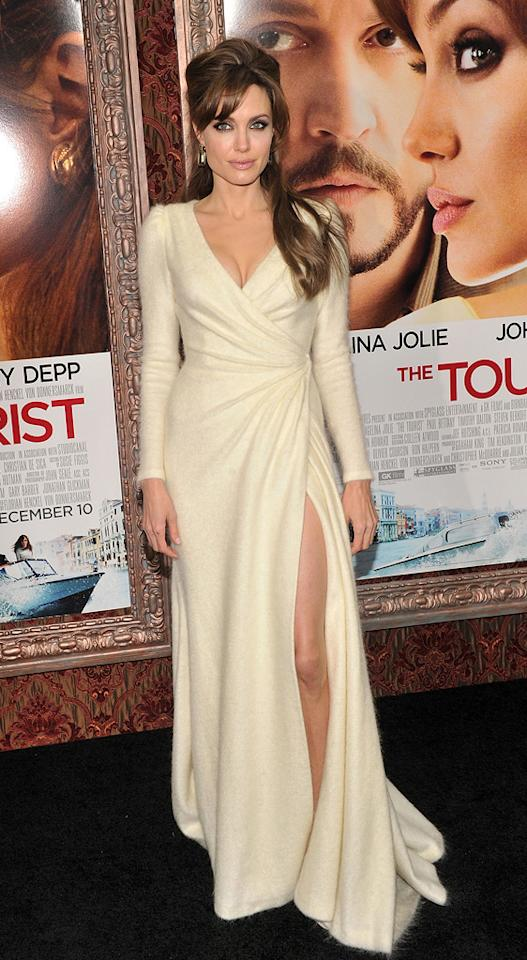 "<a href=""http://movies.yahoo.com/movie/contributor/1800019275"">Angelina Jolie</a> attends the New York premiere of <a href=""http://movies.yahoo.com/movie/1810149482/info"">The Tourist</a> on December 6, 2010."