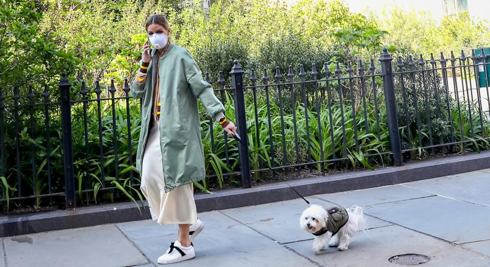 Olivia Palermo walking her dog Mr Butler in New York. (Getty Images)