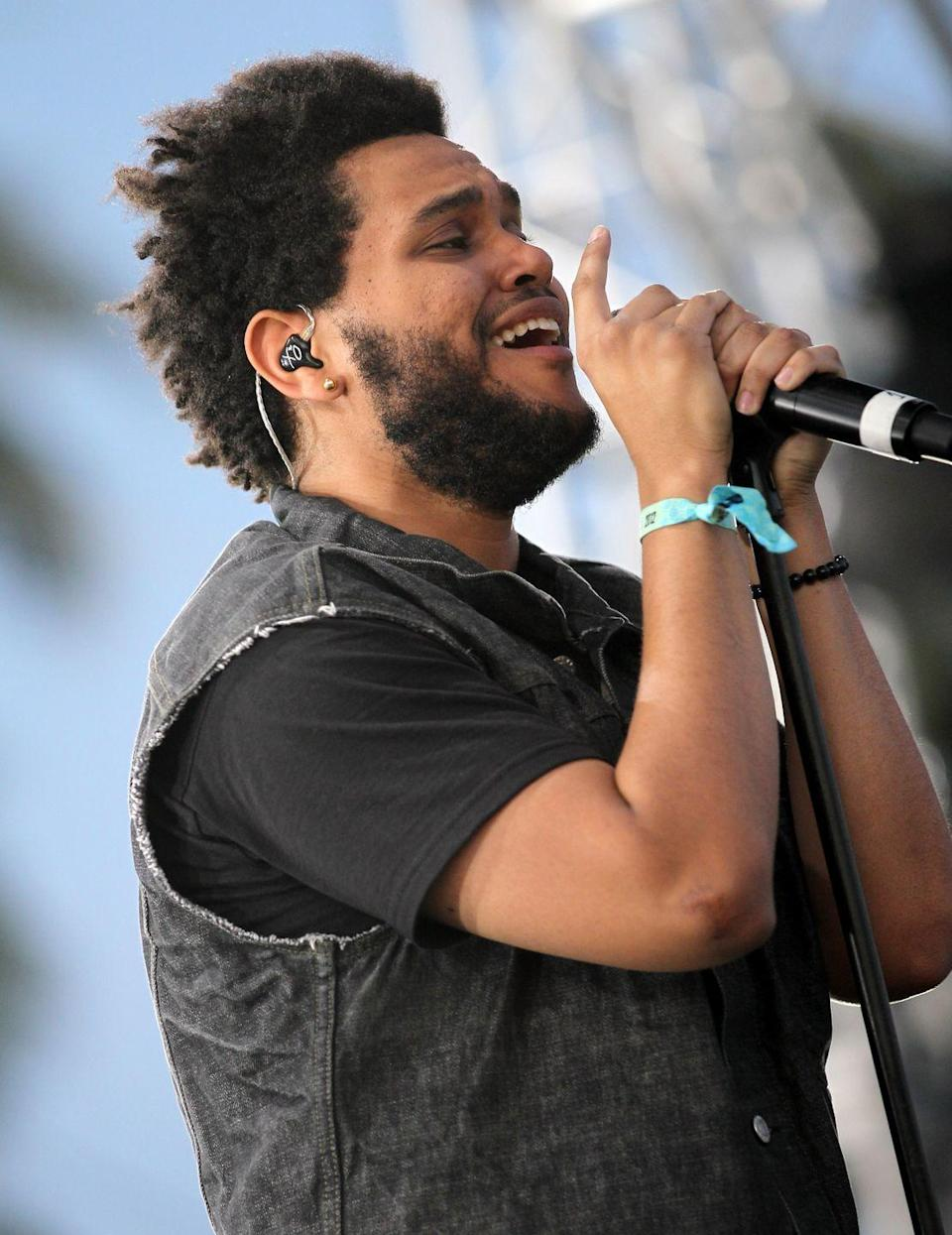 <p>At Coachella in 2012, Abel Tesfaye (aka The Weeknd) rocked a full beard with a square trimmed hairline. At the start of his career, the singer kept his hair short. <br></p>
