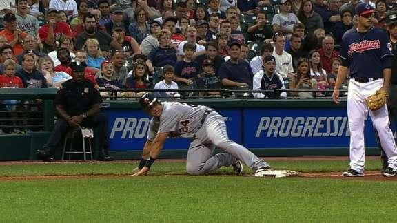 Miguel Cabrera trips over third base — finally proving he's not good at everything